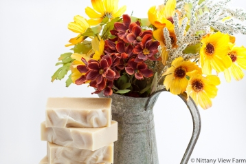 MilkMade Autumn Soap With Vase Horizontal