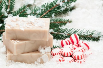 MilkMade-Winter-Soap-with-Fir-Needles-Peppermint-and-Snow-1024x682